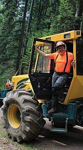 Professionelle Unterstützung bei der Waldarbeit